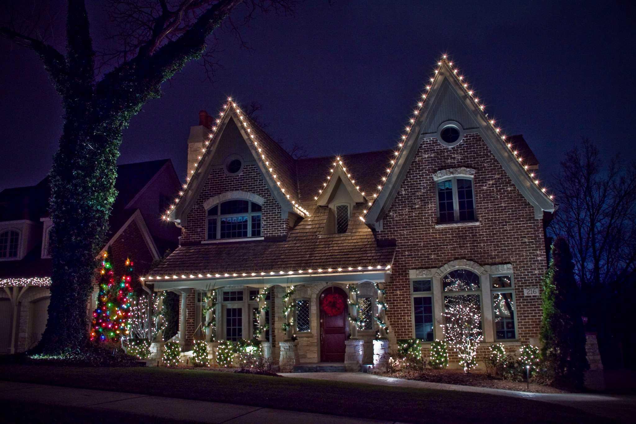 Christmas Light Installation - Lawn Pros