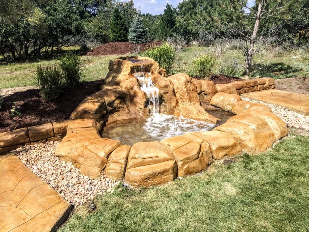 Top 4 Reasons You Should Add a Water Feature to Your Backyard - Lawn ...