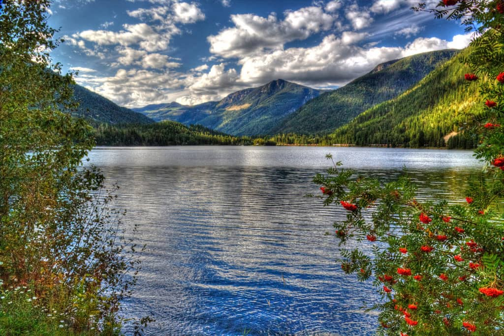 5 Incredible Lakes In Colorado You Must See For Yourself