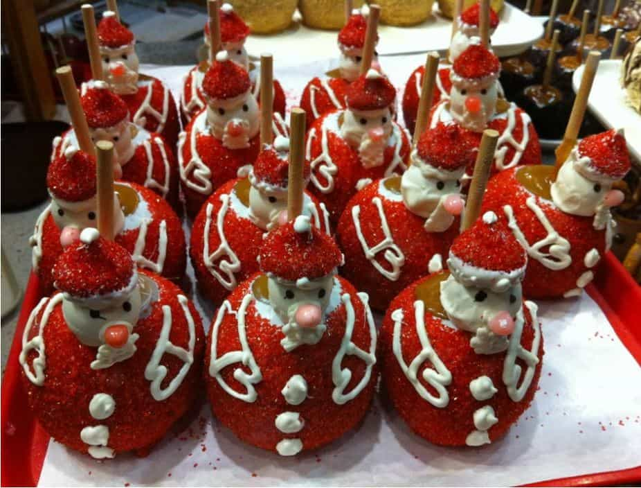 santa clause caramel candy apples - Christmas Candy Apples